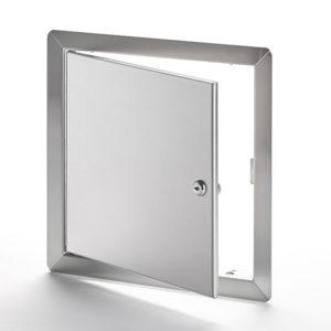 Panneau d'accès à usage universel, en acier inoxydable avec cadre apparent, barillet à clé, penture de type goupille