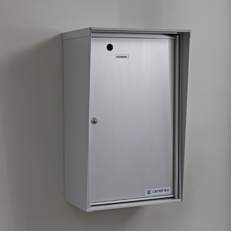 Single parcel box, wall mounted front loading model, for exterior use