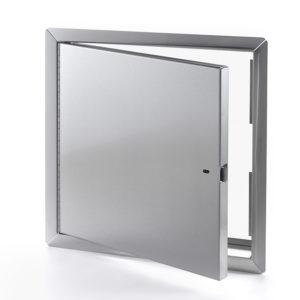 Panneau d'accès en acier inoxydable pour grandes ouvertures avec cadre apparent, enclenchement automatique avec clé-outil et serrure à anneau incluses, penture piano
